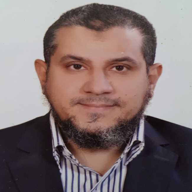 دكتور  وائل محمد نظيم  استشاري جراحة المخ و الاعصاب و العمود الفقري الجيزة