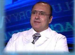 دكتور  وليد أحمد الدالي  إستشاري جراحة الأوعية الدموية، إستشاري القدم السكري ،و علاج دوالي الساقين بليزر ،أستاذ مساعد جامعة القاهرة القاهرة