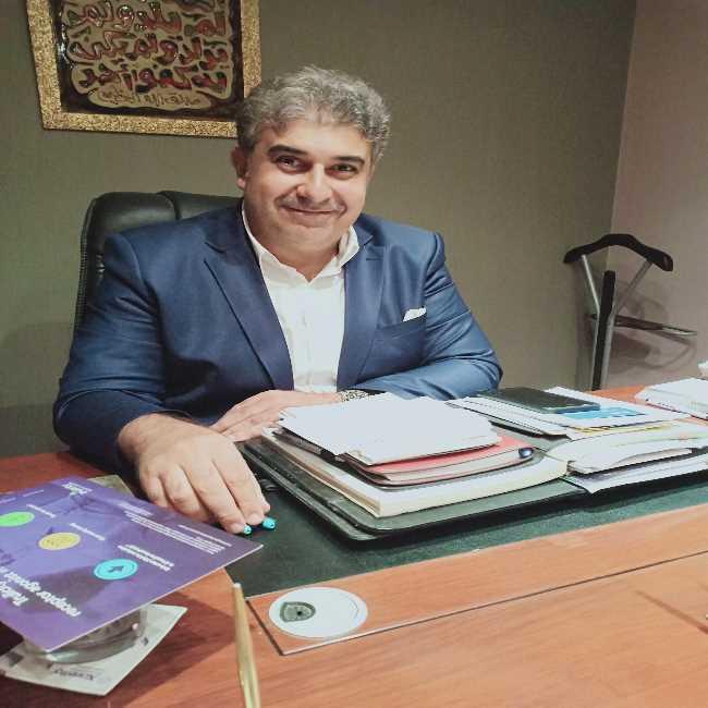 دكتور  ياسر محمد حزين  استشارى أمراض القلب و قسطرة القلب العلاجية القاهرة