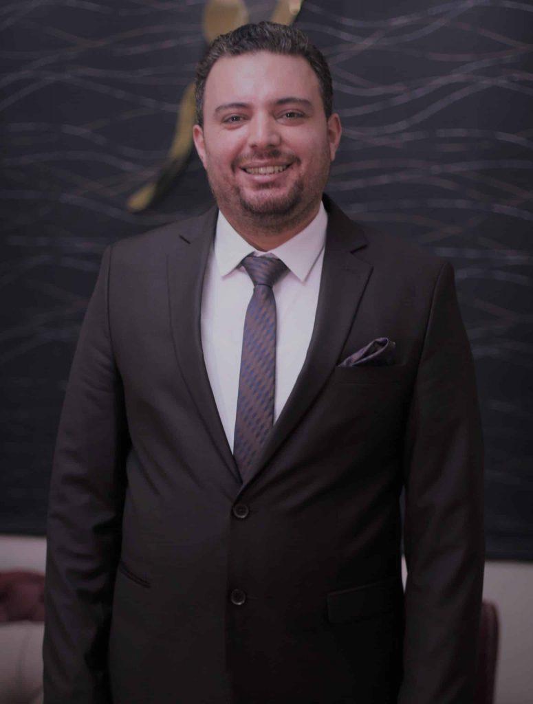 دكتور  علي جابر أخصائي جراحات التجميل جامعة الإسكندرية الاسكندرية